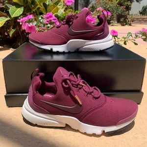Brand New Women's Nike Presto Fly SE Shoes Size 7